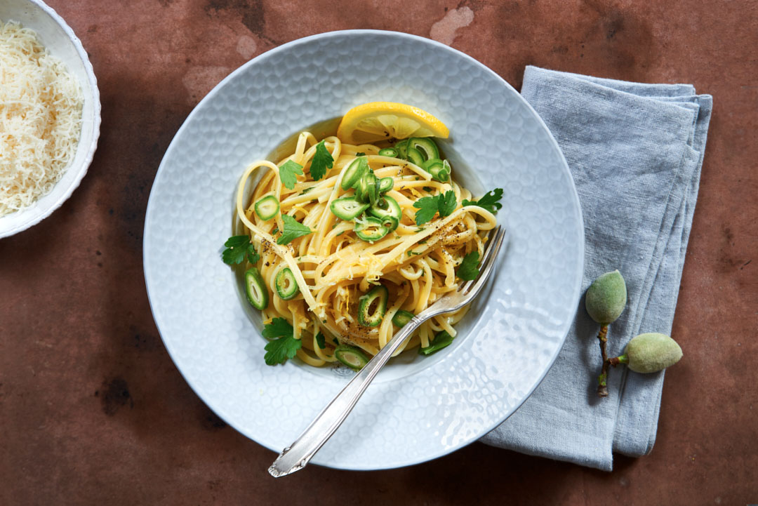 Gruene-Mandeln-Spaghetti-Zitronensauce-sz-magazin-probier-doch-mal-foodfoto-foodundtext